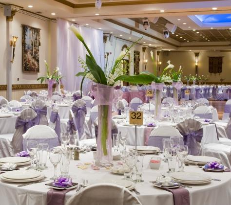 https://cf.ltkcdn.net/weddings/images/slide/106449-474x419-centerpiece2.jpg
