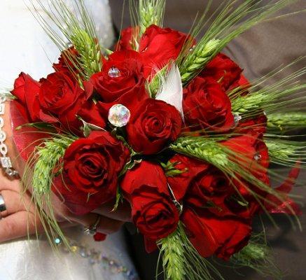 Christmas Wedding Bridal Bouquets Lovetoknow