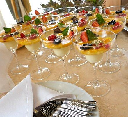 Ideas for the Buffet at a Wedding Reception | LoveToKnow