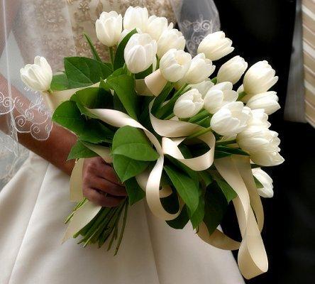 https://cf.ltkcdn.net/weddings/images/slide/106686-444x400-springtheme5.jpg