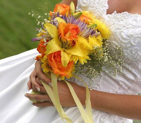 https://cf.ltkcdn.net/weddings/images/slide/106692-457x400-springtheme14.jpg