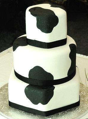 Pictures of Black and White Wedding Cakes | LoveToKnow