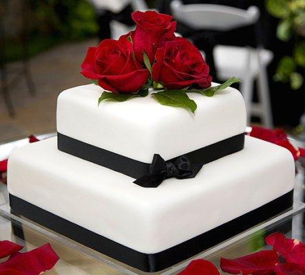 Pictures of black and white wedding cakes lovetoknow source junglespirit Choice Image