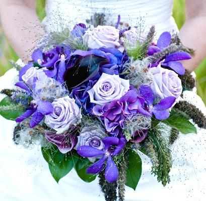 https://cf.ltkcdn.net/weddings/images/slide/106815-409x400-purple10.jpg