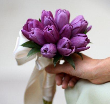 https://cf.ltkcdn.net/weddings/images/slide/106823-425x400-purple14.jpg