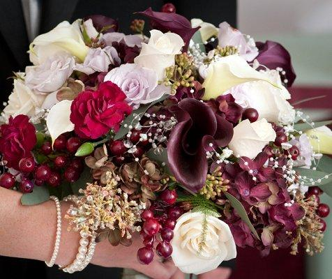 https://cf.ltkcdn.net/weddings/images/slide/106828-476x400-purple4.jpg