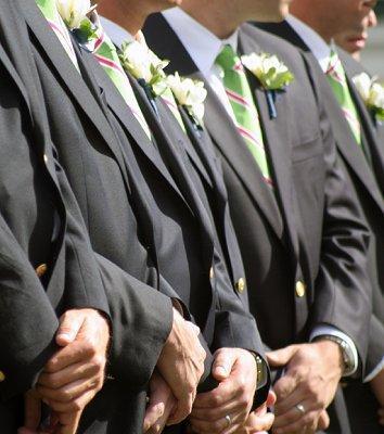 https://cf.ltkcdn.net/weddings/images/slide/107054-354x400-tuxgal10.jpg