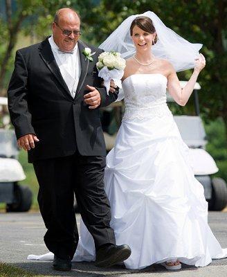 https://cf.ltkcdn.net/weddings/images/slide/107058-328x400-tuxgal13.jpg