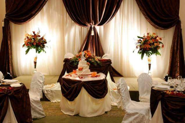Photos of wedding reception decorations lovetoknow wedding cake table junglespirit Choice Image