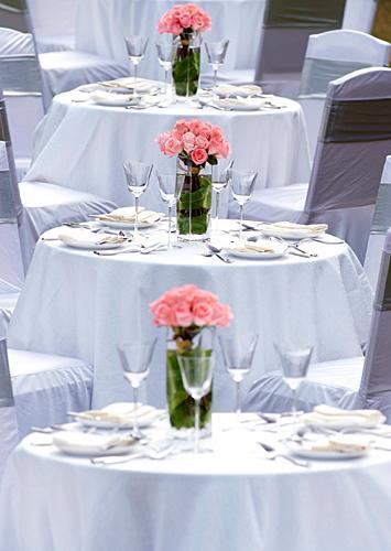 https://cf.ltkcdn.net/weddings/images/slide/149015-355x500-Burst-of-Color.jpg