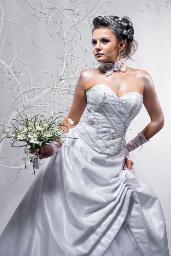 https://cf.ltkcdn.net/weddings/images/slide/158169-566x848r1-Winter-elegance.jpg