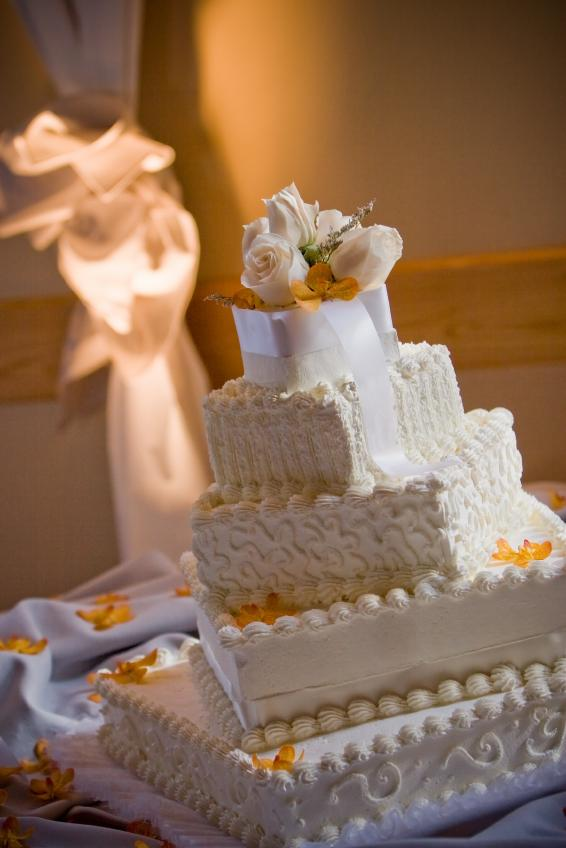 Pictures of Square Wedding Cakes | LoveToKnow