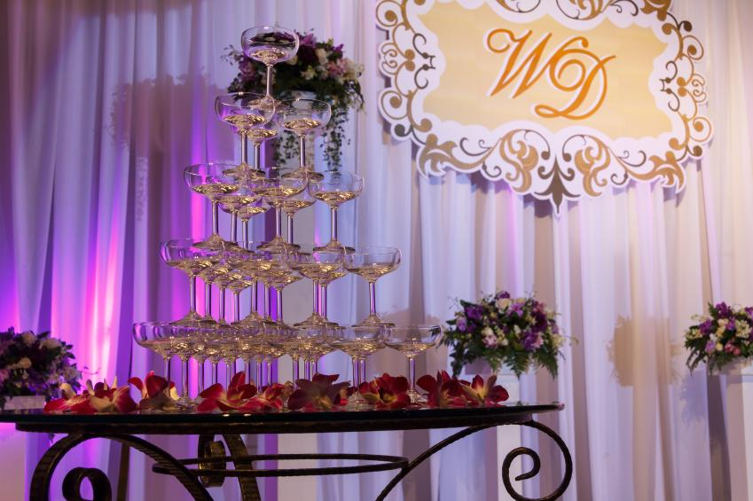 Photos of wedding reception decorations lovetoknow decorated walls junglespirit Gallery