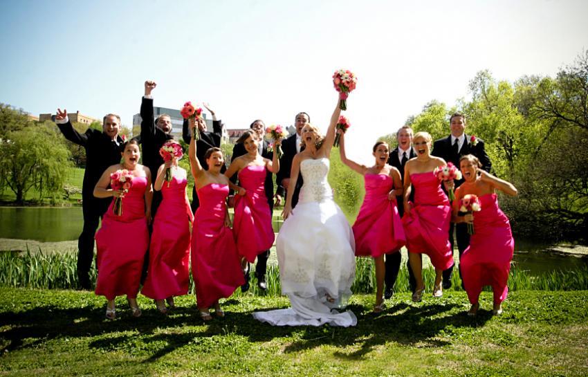 https://cf.ltkcdn.net/weddings/images/slide/172767-850x545-Wedding-party-jumping.jpg