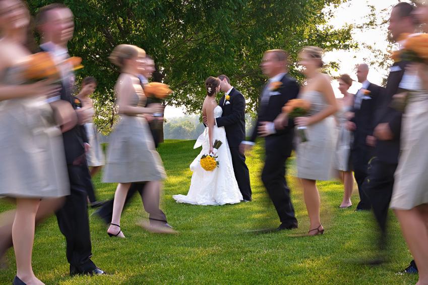 https://cf.ltkcdn.net/weddings/images/slide/172780-849x565-Shared-kiss.jpg