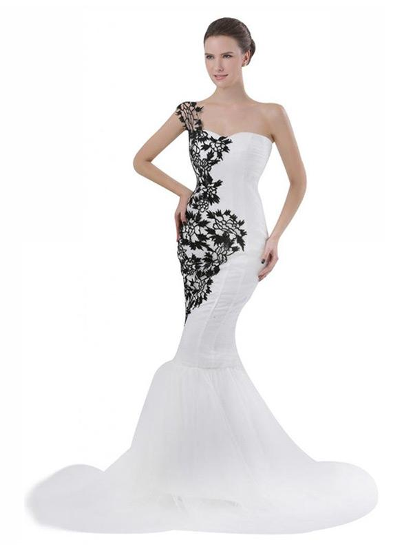 https://cf.ltkcdn.net/weddings/images/slide/173287-600x800-Sunvary-White-and-Black-Mermaid-Dress.jpg