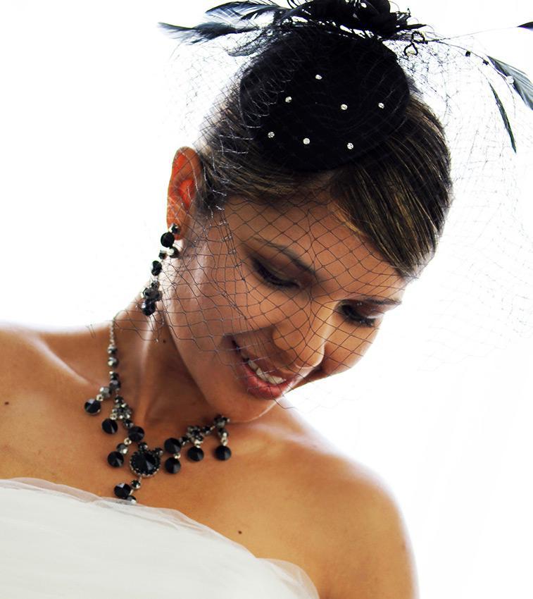 https://cf.ltkcdn.net/weddings/images/slide/191318-757x850-colored-veil.jpg
