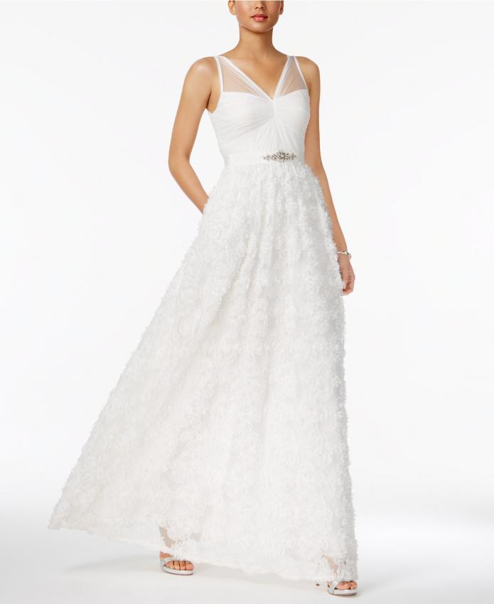 https://cf.ltkcdn.net/weddings/images/slide/219253-695x850-whitedress.jpeg