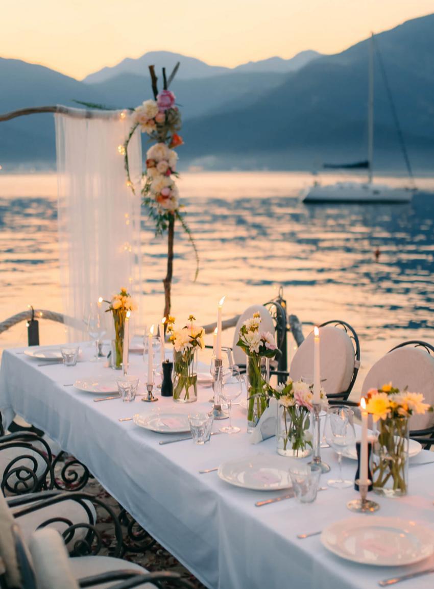 https://cf.ltkcdn.net/weddings/images/slide/238474-850x1154-tropical-wedding-1.jpg