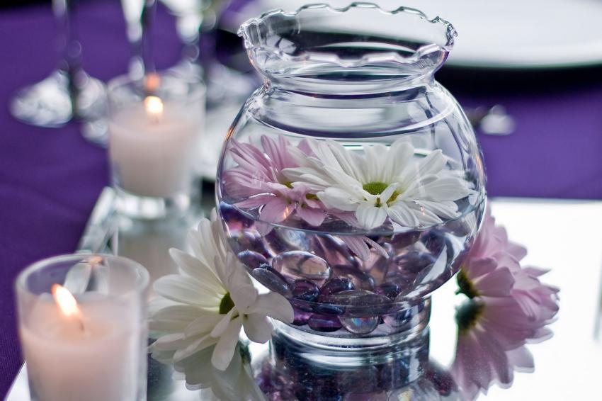https://cf.ltkcdn.net/weddings/images/slide/238589-850x566-Centerpiece-of-Flowers.jpg