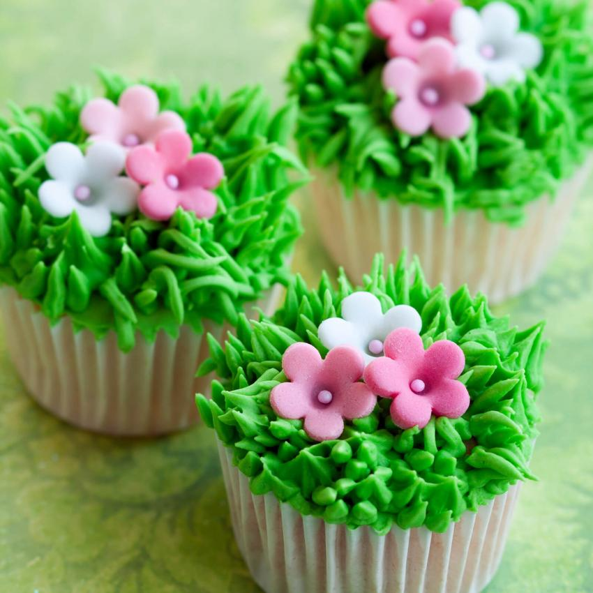 https://cf.ltkcdn.net/weddings/images/slide/240990-850x850-20-wedding-cupcake-ideas.jpg