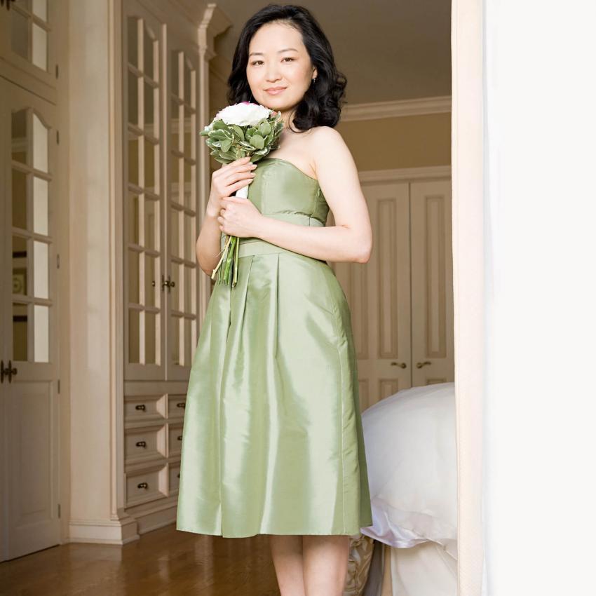 https://cf.ltkcdn.net/weddings/images/slide/244812-850x850-5-pictures-bridesmaid-dresses.jpg