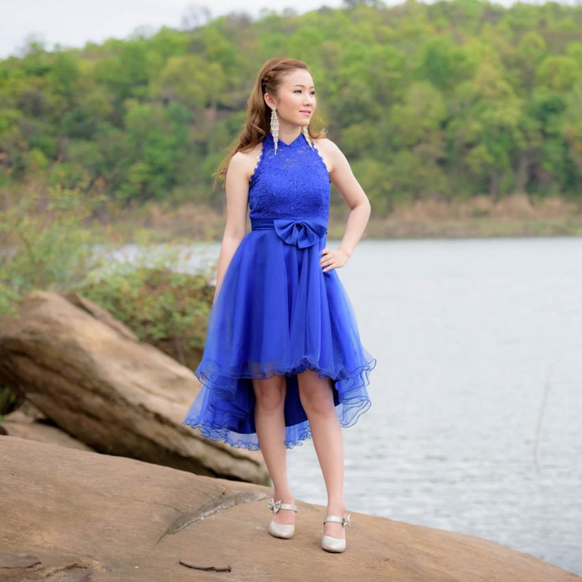 https://cf.ltkcdn.net/weddings/images/slide/244818-850x849-13-pictures-bridesmaid-dresses.jpg
