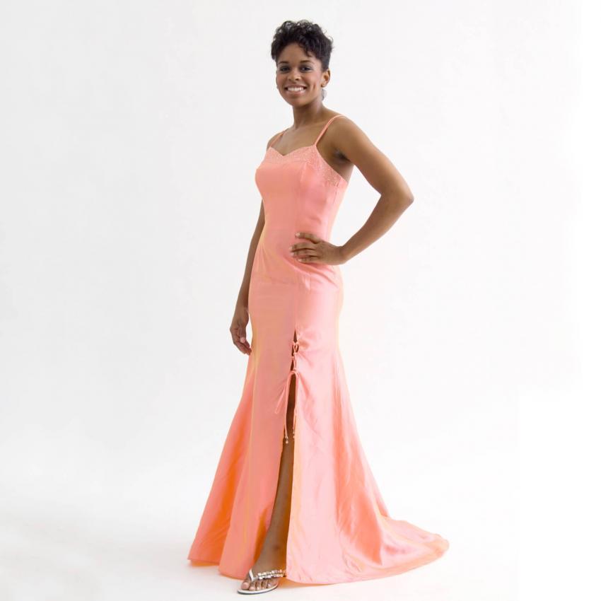 https://cf.ltkcdn.net/weddings/images/slide/244820-850x850-15-pictures-bridesmaid-dresses.jpg