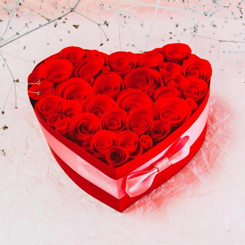 https://cf.ltkcdn.net/weddings/images/slide/249239-850x850-12-valentines-day-wedding-centerpieces.jpg
