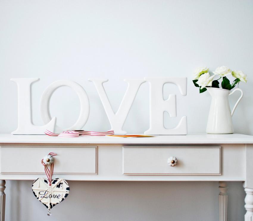 https://cf.ltkcdn.net/weddings/images/slide/249243-850x740-15-valentines-day-wedding-centerpieces.jpg