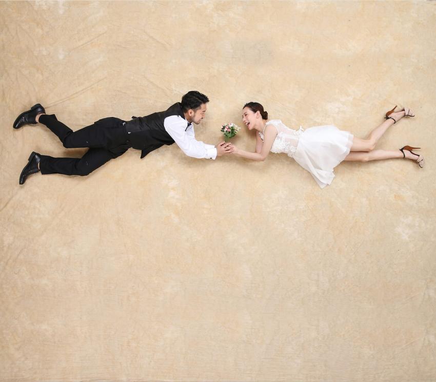https://cf.ltkcdn.net/weddings/images/slide/254082-850x744-10-crazy-wedding-pictures.jpg