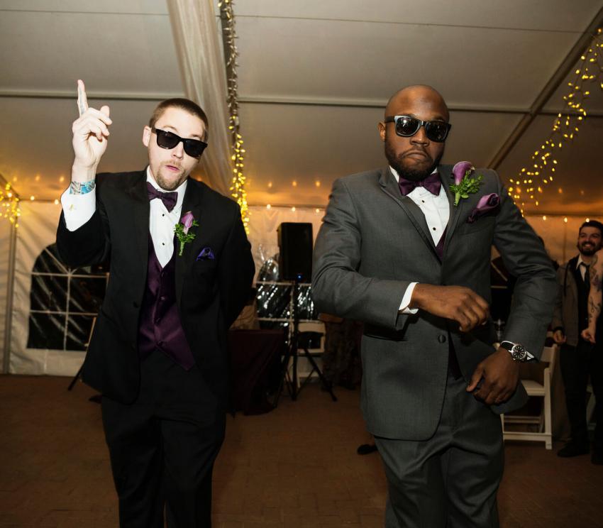 https://cf.ltkcdn.net/weddings/images/slide/254086-850x744-14-crazy-wedding-pictures.jpg