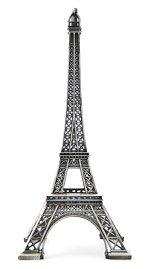 Photo of an Eiffel Tower cake topper