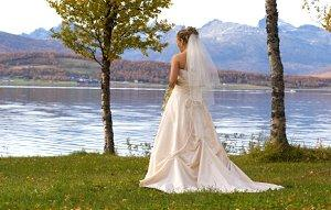Bride in a beautiful but inexpensive wedding gown