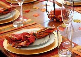 Autumn-theme wedding table decorations