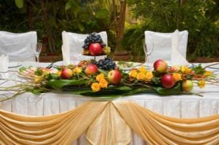 apple themed head table centerpiece