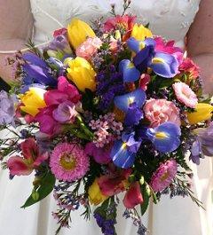 https://cf.ltkcdn.net/weddings/images/slide/105949-240x265-blueflower8.jpg