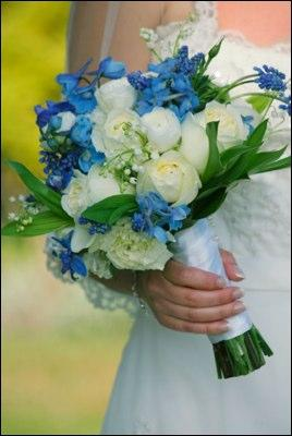 https://cf.ltkcdn.net/weddings/images/slide/106046-268x400-Bouquet9.jpg