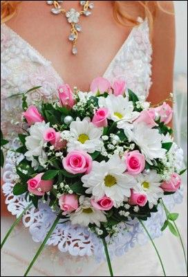 https://cf.ltkcdn.net/weddings/images/slide/106055-272x400-Bouquet8.jpg