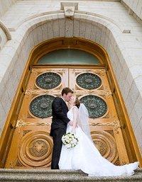 https://cf.ltkcdn.net/weddings/images/slide/106110-200x257-rompic2.jpg