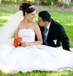 https://cf.ltkcdn.net/weddings/images/slide/106112-250x261-rompic10.jpg