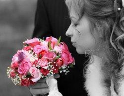 https://cf.ltkcdn.net/weddings/images/slide/106117-250x193-rompic13.jpg