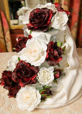 https://cf.ltkcdn.net/weddings/images/slide/106317-290x400-winterck3.jpg