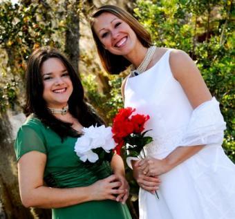 https://cf.ltkcdn.net/weddings/images/slide/106351-429x400-green11.jpg
