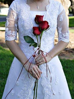 https://cf.ltkcdn.net/weddings/images/slide/106416-300x400-lds3.jpg