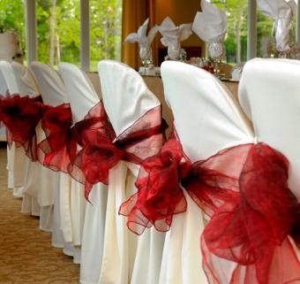 https://cf.ltkcdn.net/weddings/images/slide/106426-424x400-falltable2.jpg