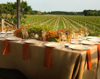 https://cf.ltkcdn.net/weddings/images/slide/106431-507x400-falltable12.jpg