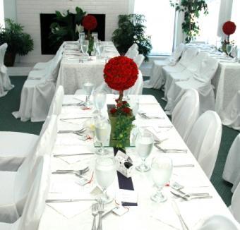 https://cf.ltkcdn.net/weddings/images/slide/106452-440x422-centerpiece5.jpg