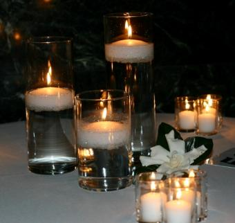 https://cf.ltkcdn.net/weddings/images/slide/106458-563x533-centerpiece11.jpg