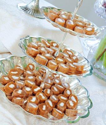https://cf.ltkcdn.net/weddings/images/slide/106495-339x400-fallcent15.jpg